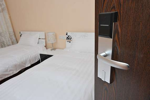 staying safe at hotels